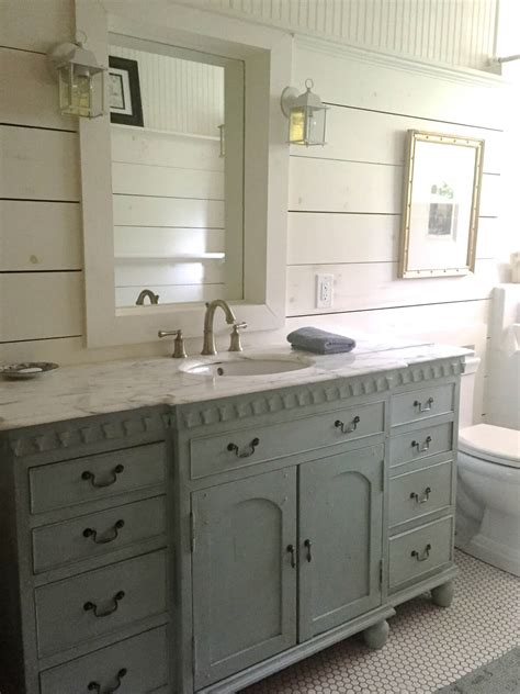 Cottage Style Vanities For Bathrooms by 30 Best Cottage Style Bathroom Ideas And Designs For 2019