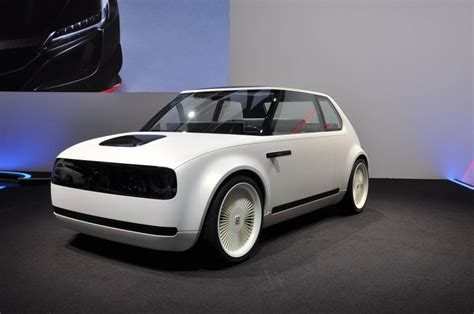 Honda Urban Ev Concept Charms With Retro Design Cues Driving