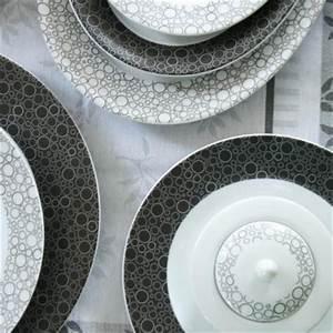 Service A Vaisselle : services de vaisselle en porcelaine blanche d 39 entretien facile ~ Teatrodelosmanantiales.com Idées de Décoration