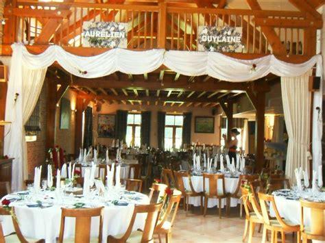 habillage de chaise pour mariage d 233 coration de salle