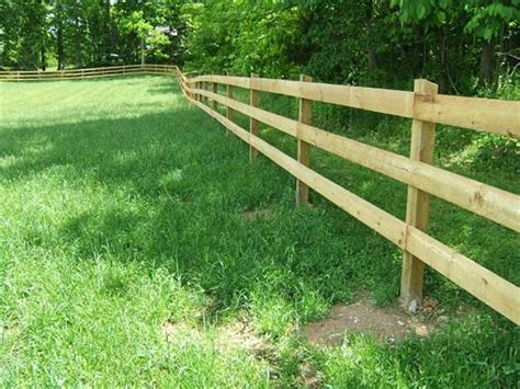 How-building-wooden-horse-fence