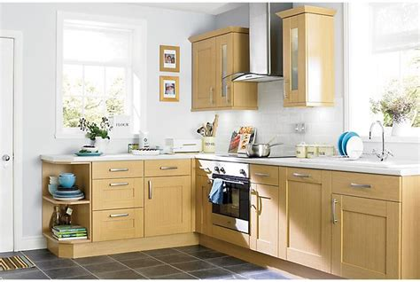 Kitchen Ideas B And Q by It Oak Style Shaker Kitchen Ranges Kitchen Rooms