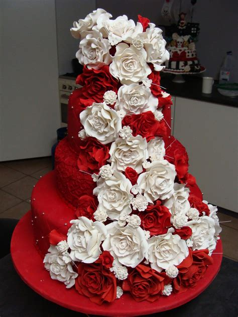 Red And White Rose Wedding Cake