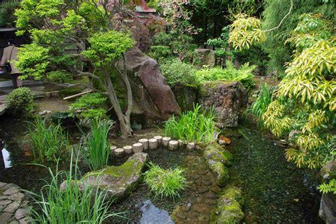 Japanischer Garten Vorgarten by Japanese Garden And Kura Storage In Hirakawa City Aomori