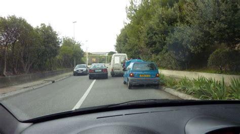franchissement ligne blanche tests gratuits du code de la route est il possible de franchir une ligne blanche continue pour