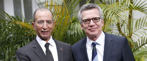 الرباط وبرلين تقرّان اتفاقاً أمنياً وتسرّعان ترحيل مهاجرين