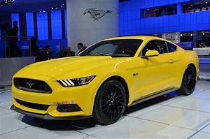 Vote: Hot or Not? 2015 Mustang GT in Triple Yellow! – AmericanMuscle.com Blog