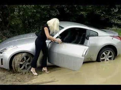 Foto Divertenti Di Donne Al Volante divertente di donne al volante il di