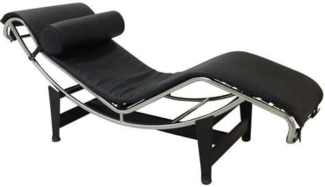 a la chaise chaise longue