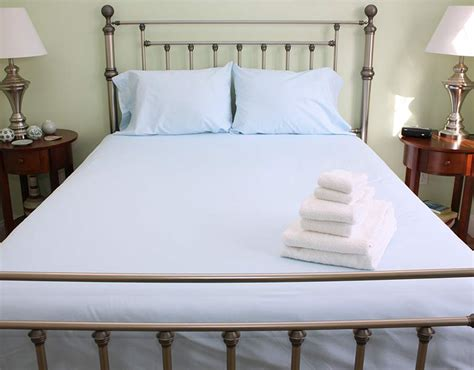 Cape Cod Linen Rental Queen Bed Sheet Options