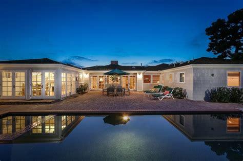 luxury ranches  high  homes  suburbanites