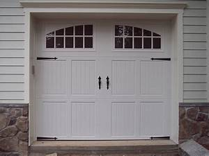 Gorgeous carriage house style garage doors inspiration for Carriage type garage doors