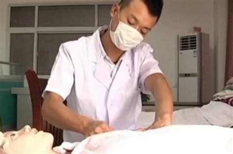 Male Breastfeeding Expert Helps Women To Produce Milk
