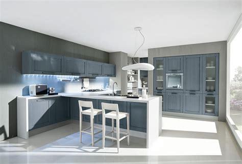 sgabelli penisola cucina moderna con penisola e sgabelli in frassino bianco