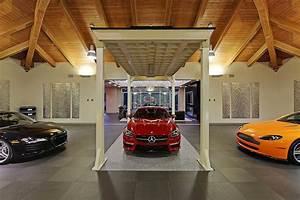 Garage Auto Tours : car lovers this is your dream house ~ Gottalentnigeria.com Avis de Voitures