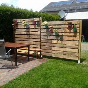 Sichtschutz aus paletten selbst gebaut pinterest gardens for Terrasse sichtschutz wand
