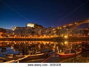 Fluss In Portugal : oporto porto stadt viertel ribeira stockfoto bild 14162610 alamy ~ Frokenaadalensverden.com Haus und Dekorationen