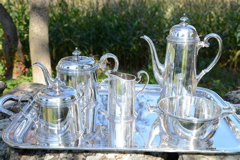 1837년부터 tiffany & co.는 세계 최고의 주얼리 브랜드로 미국의 대표적인 디자인 하우스라는 명성을 지켜오고 있습니다. Vintage Tiffany and Co Sterling Silver 6 Piece Coffee and ...