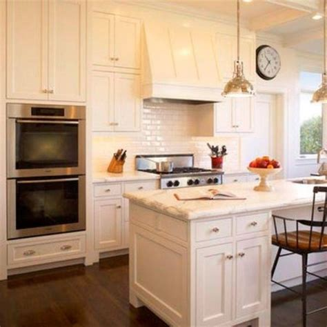 1000  ideas about Sherwin Williams Dover White on