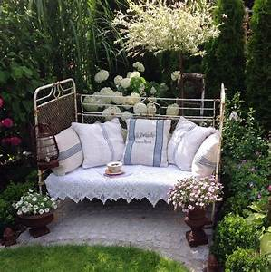 Bett Für Den Garten : lieblingspl tze im garten und auf der terrasse wohnkonfetti ~ Frokenaadalensverden.com Haus und Dekorationen