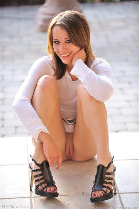 Sexy voyeur upskirts - Justimg.com