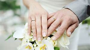 how do engagement rings and wedding bands work With how do engagement and wedding rings work
