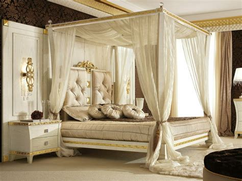 chambre parentale bleue decoration chambre avec lit baldaquin visuel 2