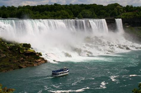 Niagara Falls Boat Rental by Of The Mist In Front Of The American Falls Picture
