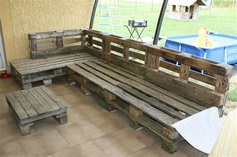 construire un canape avec des palettes canapé en terrasse mp bricolaïre