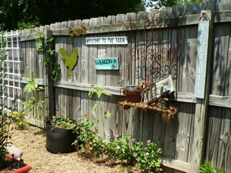backyard fence decorating ideas 25 ideas for decorating your garden fence