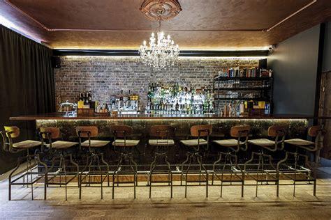 zolte drzwi bars clubs katowice