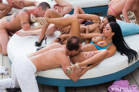 A great big orgy - Web Porn Blog