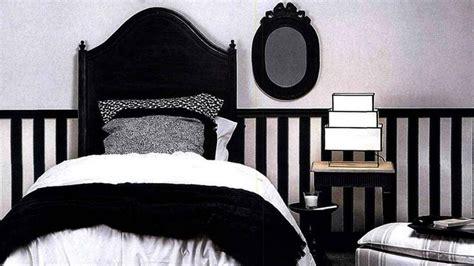 chambre blanche et noir les erreurs à éviter avec une déco en noir et blanc