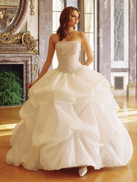 wedding dress princess wedding dress to be more glamorous