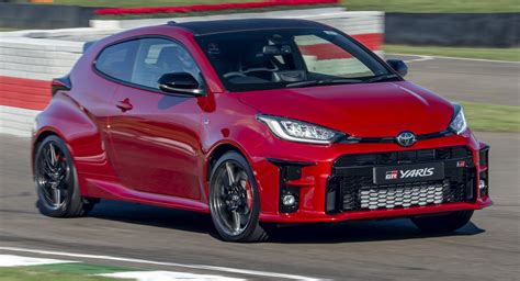 With seamless design and intuitive integration, you. Toyota GR Yaris Makes Dynamic Debut In Goodwood Among ...
