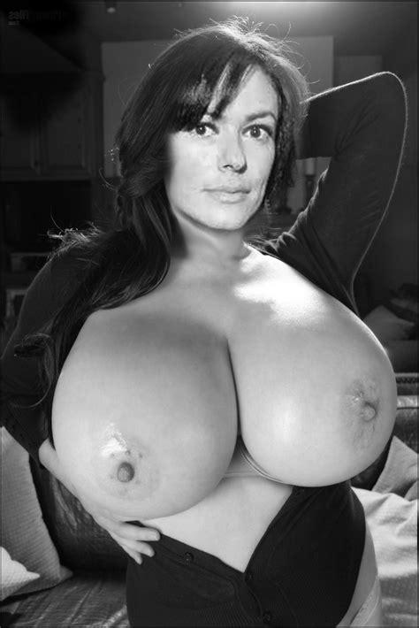 Maria Grazia Cucinotta Big Tits Italian Celeb Big Boobs Celebrities