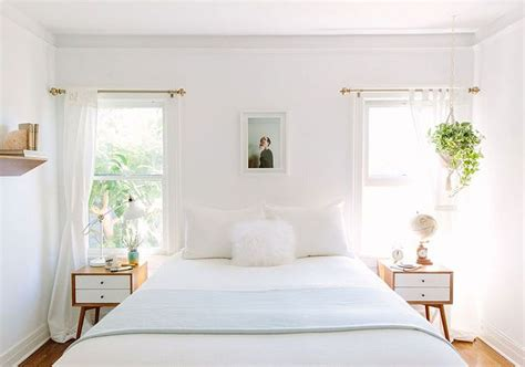 Bedroom Designs With Plants by 6 Ways To Style Your Home With Decorative Pillows