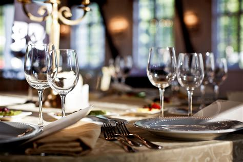 restaurant table settings russo s restaurant a perfect choice for all parties large and small uniquely russo s