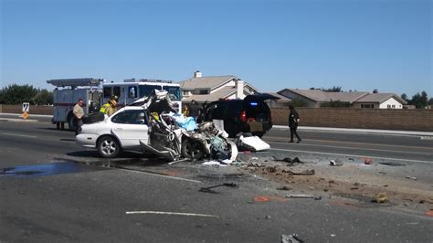Vv Daily Press Car Accident.Man Killed When Car Rear Ends
