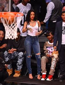 Rihanna du00e9dicace LeBron James en bikini et tacle Stephen Curry