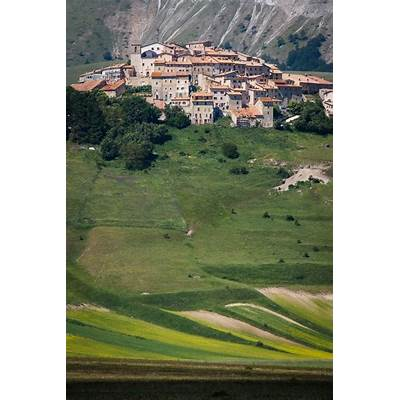 65 best Castelluccio Umbria Italy images on Pinterest