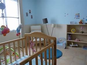 Peinture idee chambre pour fille toxique bleu meubles for Canapé convertible scandinave pour noël deco de chambre fille
