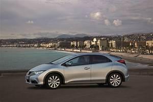 Honda Civic Hatchback : honda civic hatchback coming back to u s news ~ Maxctalentgroup.com Avis de Voitures