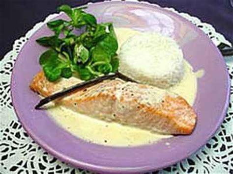 cuisiner le pavé de saumon recettes du pavé de saumon à la crème les recettes les