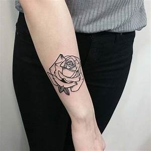 Rosen Tattoo Klein : 10 beautiful rose tattoo ideas for women crazyforus ~ Frokenaadalensverden.com Haus und Dekorationen