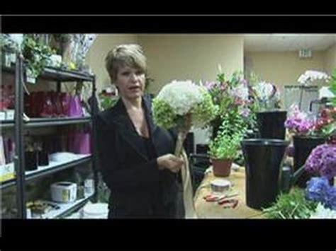 floral arrangements     large hydrangea bridal
