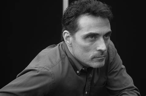 Rufus Sewell Talks The Man In The High Castle Season 2 At