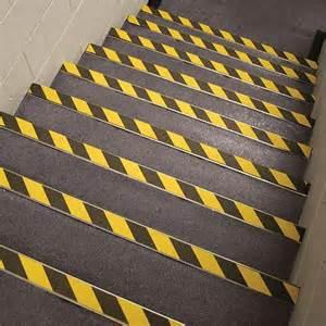 antirutsch treppe sicherheitsstufenmatten und antirutschbeläge für treppen