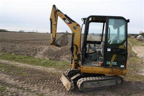 caterpillar   minigraver cat  excavator  sale retrade offers  machines
