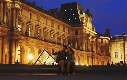 Paris Louvre Motion Selfie Romantic Cinemagraph Nighttime